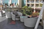 Маси и столове, произведени от ратан за лятно заведение