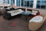 Елегантни маси и столове от ратан за хотел