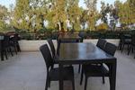 Красиви столове от ратан за ресторанти