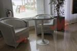 Уникални маси и столове от бял ратан