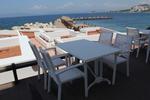 Дизайнерски маси и столове ратан за заведение