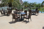 Маси и столове от евтин ратан,придаващи стил и комфорт