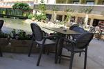 Пластмасови столове за лятно заведение, с различни цветове