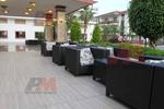 Елегантни маси и столове от евтин ратан