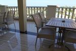 Красиви маси и столове ратан за лятно заведение