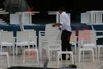 Стилни маси и столове от бял ратан