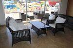 Маси и столове от ратан,придаващи стил и комфорт на всеки интериор на лятно заведение