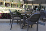 Качествени стойки за маса за градина