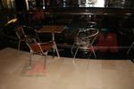 Устойчив стол,произведен от алуминии с различен вид седалка