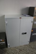 Офис метален шкаф за класьори по индивидуална заявка Пловдив
