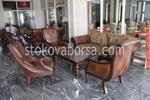 луксозна маса със столове от масив