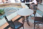 Дизайнерски черни стойки за маса