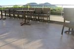 Метални стойки за маса за хотел