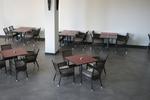Устойчива основа за бар маса за заведение
