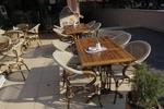 Модерна стойка за маса за външно ползване