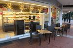 Универсален стол и маса от ратан за кафенета за всесезонно използване