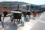 Универсални стол и маса от ратан за всесезонно използване