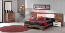 Луксозна спалня естествен фурнир