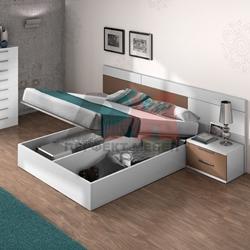 Спалня с ракла в бяло и кафяво