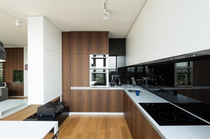 Модерна луксозна кухня