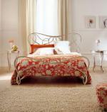 Легло от ковано желязо с декорации