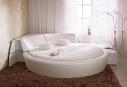 Оригинален дизайн кръгла спалня