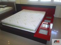 Легло с декоративно осветление от МДФ в два цвята