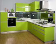 Кухня по поръчка зелена МДФ гланц