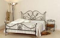 Легло с флорални елементи от ковано желязо