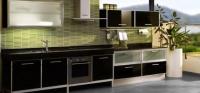 Кухня в черен Лакобел и мат стъкло