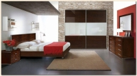 Комплект спалня с 2 нощни шкафчета, скрин и гардер