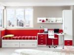 Детска спалня в бяло и червенот