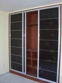 гардероб с черно ПДЧ гланц