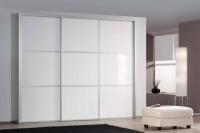гардероб в бяло