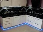 Кухня по поръчка  с диодно осветление