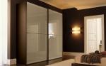 поръчкови мебели за обзавеждане на модерни гардероби за ваканционни жилища