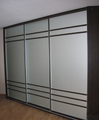 Гардероб с 3 плъзгащи врати