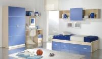 Детска стая в бяло и синьо