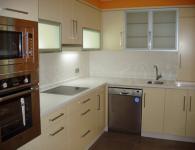кухни поръчкови за обзавеждане на ваканционни жилища фирма