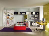 Детско-юношеска стая с тапицирано легло