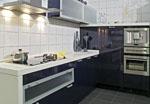 Кухня в черен МДФ гланц