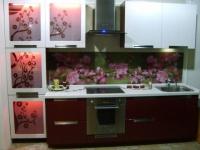 Кухня с витрини