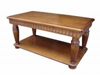 Холна маса с дърворезба