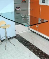 Висяща стъклена маса