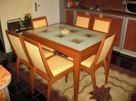 Трапезарийна маса