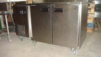 Хладилна маса с 2 врати 141x 70x 86см