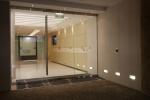стъклена врата по поръчка 1405-3577