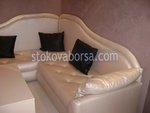 роскошный диван с отдыха на закате