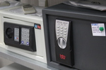 Поръчкова изработка на сейф за кабинети