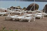 Шезлонги за плаж за малък басейн